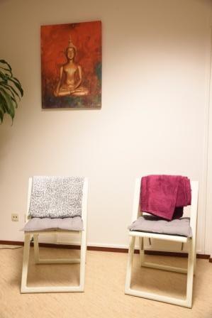 Yoga stoeltjes met buddha